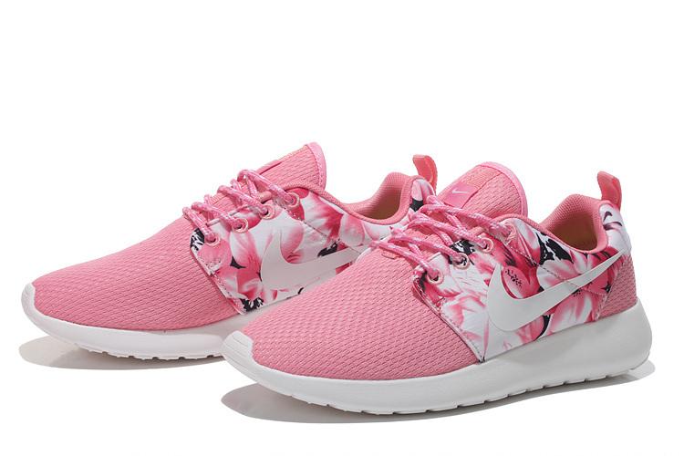 the best attitude 4d1a0 96c2c Découvrez Populaire Nike Roshe Run Femme Rose Chaussure Pas Cher  Royer3601297