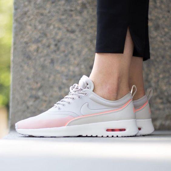chaussure nike air max thea pour femme
