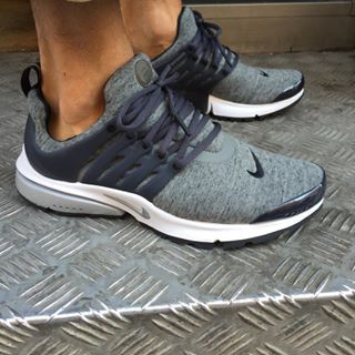 chaussures femmes nike presto