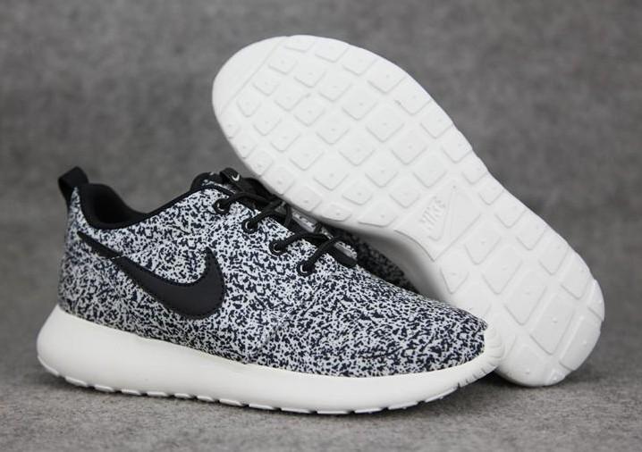 Grosses soldes Chaussures de sport Nike Roshe One Femme