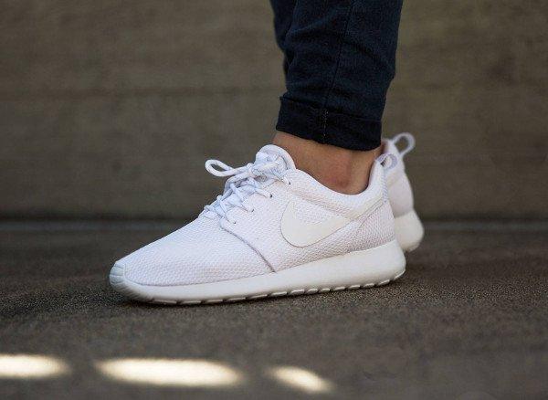 sneakers nike femme blanche